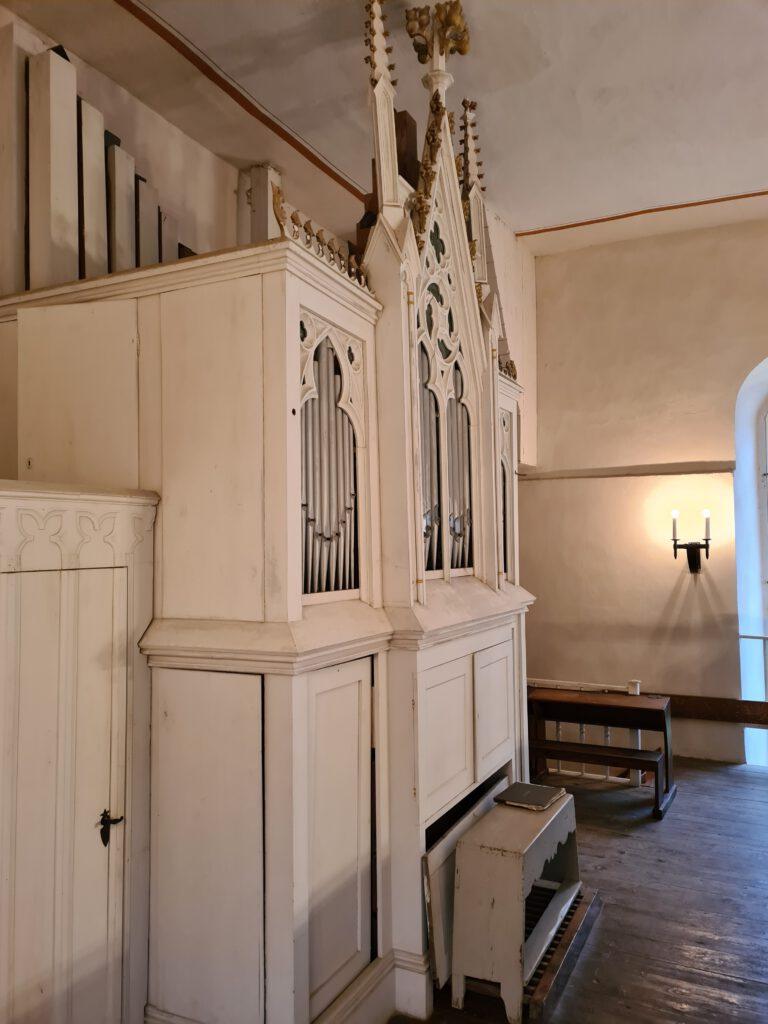 Orgel der Kirche Schweinbach